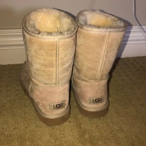 Off white/tan ugg boots